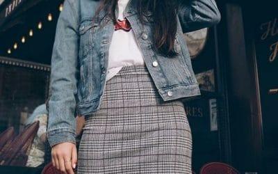 Outfit con falda de cuadros