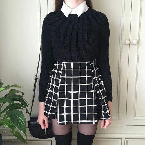 outfit falda cuadros blanco y negro corta