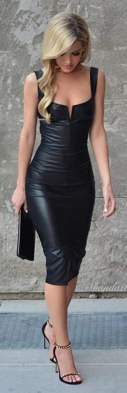 outfit negro vestido vinipiel