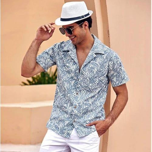 Outfit de playa para hombre con camisa de manga corta y bermudas