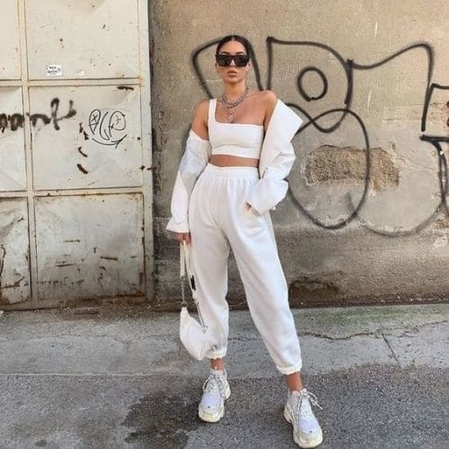 outfit total white deportivo mujer