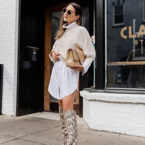 Outfit casual de mujer con botas largas y vestido camisero